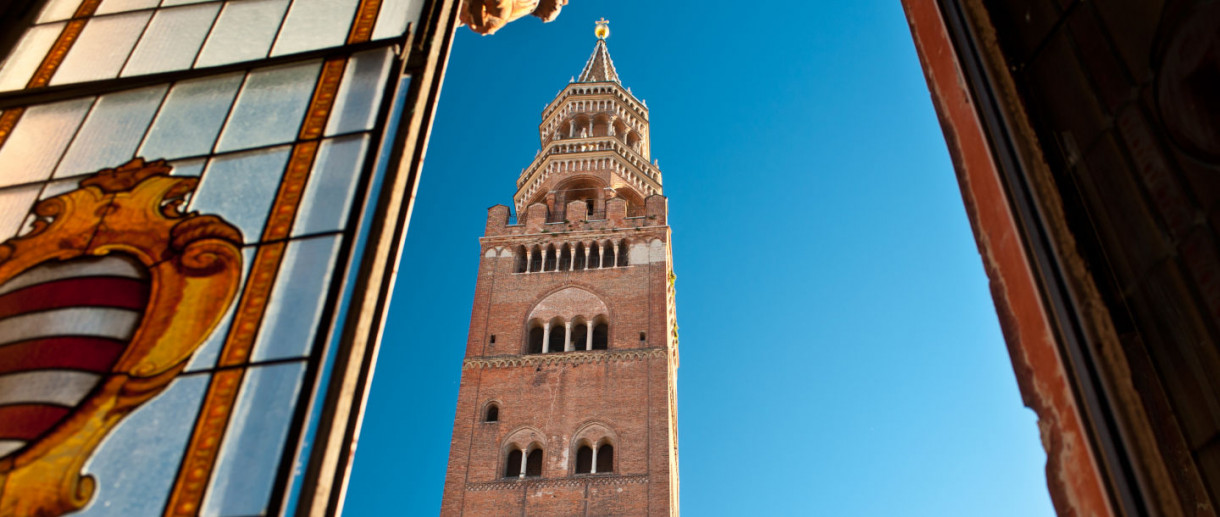 Torrazzo di Cremona, Monumenti Cremona