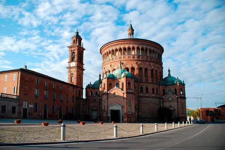 Santuario di Santa Maria della Croce, Chiese Cremona