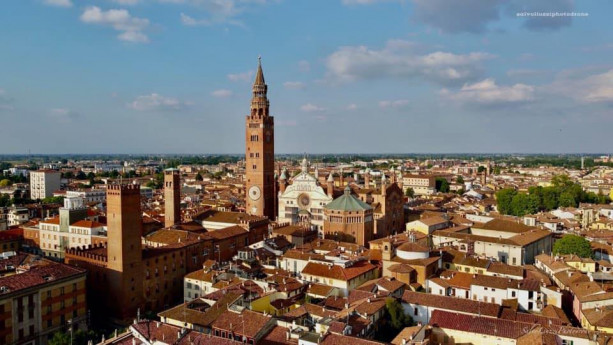 The radio speaks about Cremona