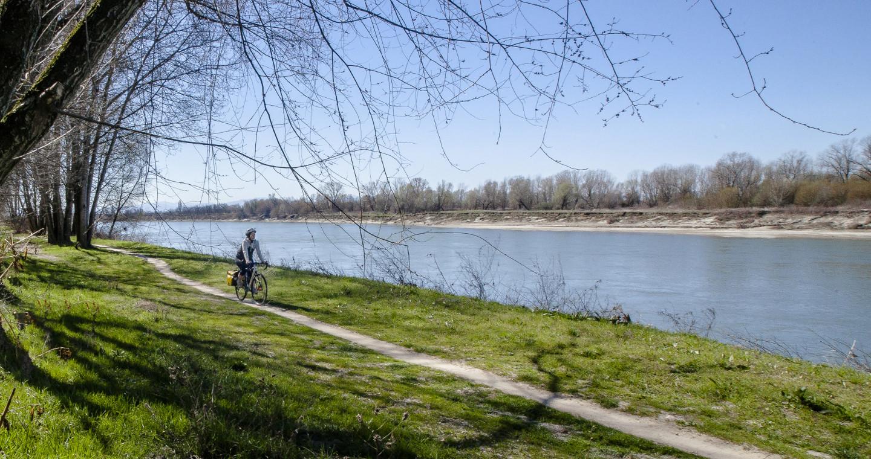 Itinerario ciclabile lungo il fiume Po nel Parco del Po e del Morbasco